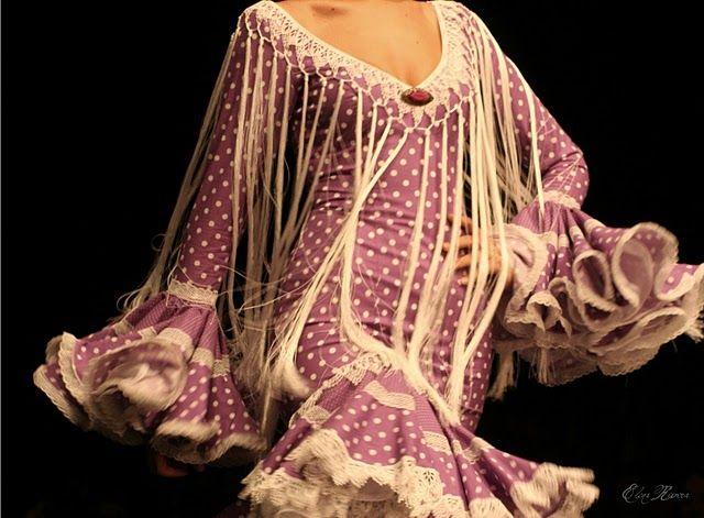 Adornar tu traje de flamenca: flecos