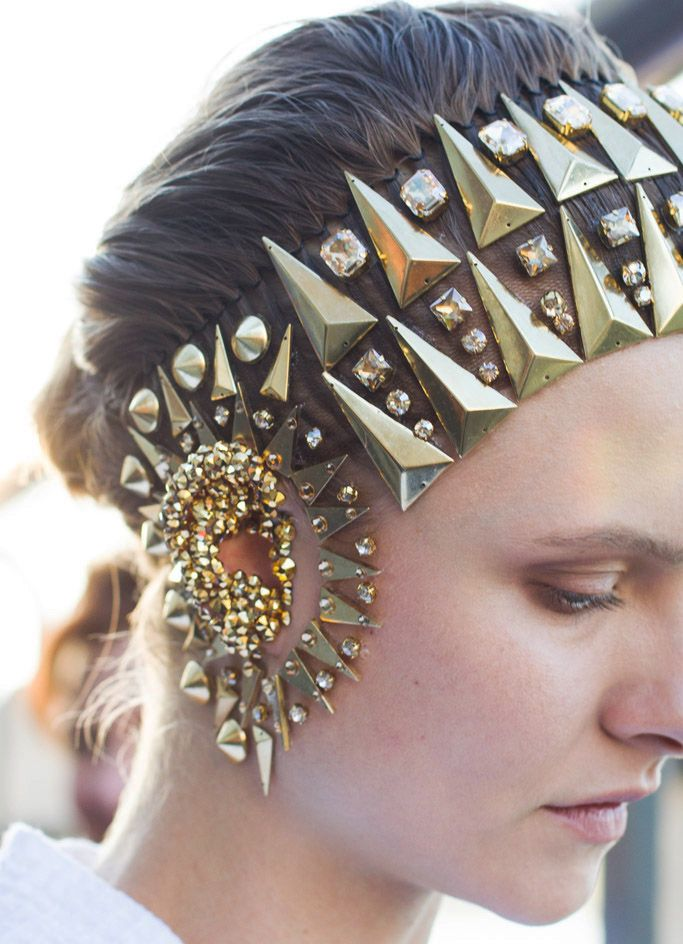 givenchy_backstage_81935873_683x